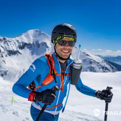 Martin Kovaľ je ultrabežec, skyrunner, skialpinista a hlavne vegán, ktorý úspešne absolvoval už nejeden závod doma aj v zahraničí. S konceptom prednášok o vegánstve, stravovaní a športe, ktoré sa konali už viackrát v Bratislave, Košiciach ale aj v Prahe a Brne, sa snaží motivovať a poradiť každému bežcovi a športovcovi. Je jeden zo zakladateľov Slovenskej Skyrunningovej asociácie.🏃♂️🥇👟 V prednáške Vám priblíži vegánske stravovanie pre potreby vytrvalostného športu. Hlavný dôraz sa kladie na kvalitnú regeneráciu, ktorá je úzko spojená so stravou. Martin v prednáške rozoberie aj teoretické a praktické princípy stravovania sa počas nielen bežeckých ultra-trail pretekov ale aj ostatnom vytrvalostnom športovom výkone.
